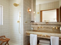 Olivine hotel bathroom
